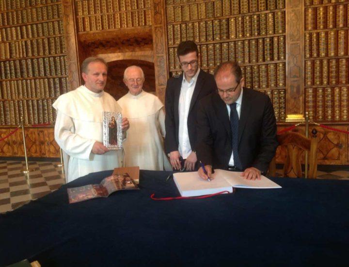 Tutto  ha inizio con un incontro in occasione di una mia visita al Santuario dei Czestochowa
