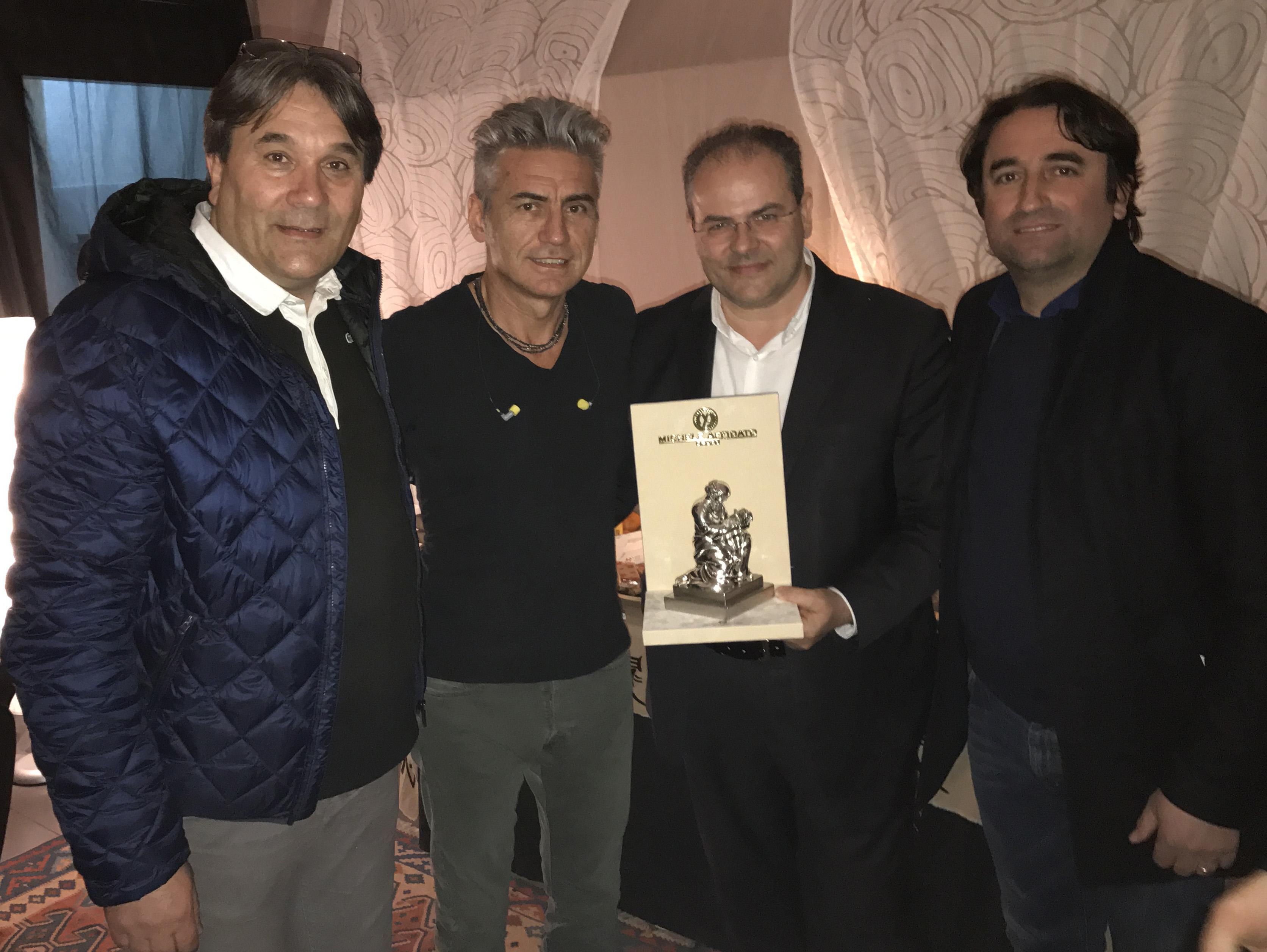 1 SENESE, LIGABUE, AFFIDATO E LATELLA