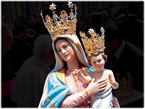 Corone in oro realizzate per la statua della Madonna di Setteporte in Rocca di Neto