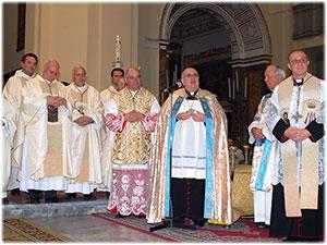Michele Affidato realizza le medaglie Crociate per il Capitolo Cattedrale di Crotone
