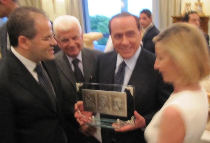 Bassorilievo in argento realizzato per il Presidente del Consiglio Silvio Berlusconi