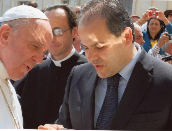 Stemma Papale realizzato per<br> Sua Santità Papa Francesco