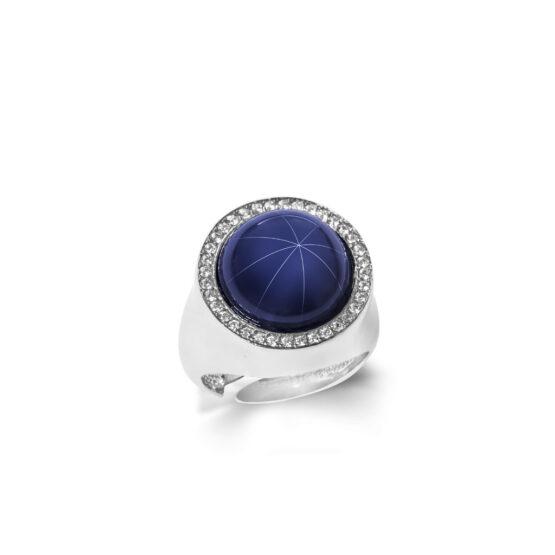 Anello con pietra blu grande dura corindone stellato in argento 925 di Michele Affidato