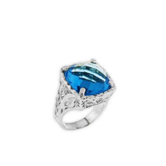 Anello fatto a mano in argento 800 con pietra grande azzurra quadrata di Michele Affidato