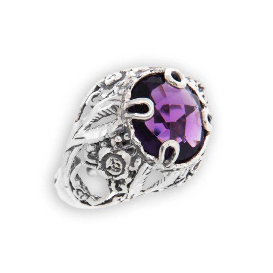 Anello fatto a mano in argento 800 con pietra grande viola tonda di Michele Affidato
