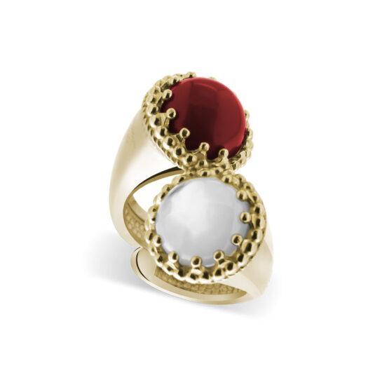 Anello dorato in argento 925 doppio con pietre di corallo rosso e madreperla di Michele Affidato