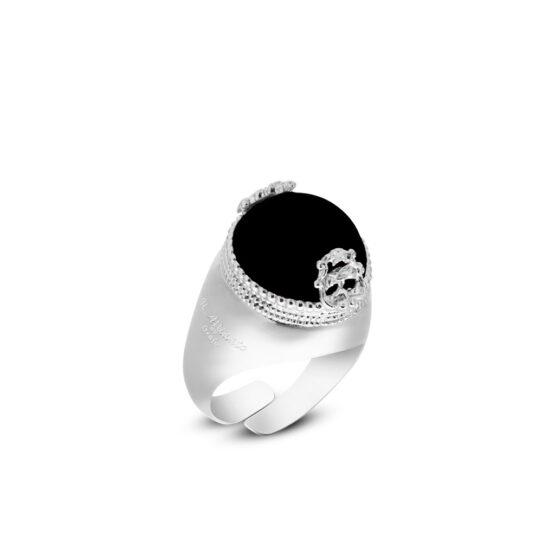 anello-con-pietra-nera-onice-cabochon-in-argento