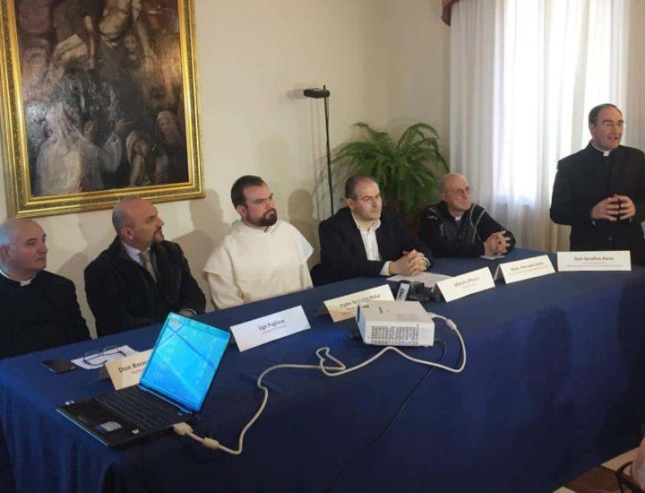 Palazzo Arcivescovile di Crotone, conferenza stampa per la presentazione del progetto dei nuovi diademi per la Madonna di Czestochowa