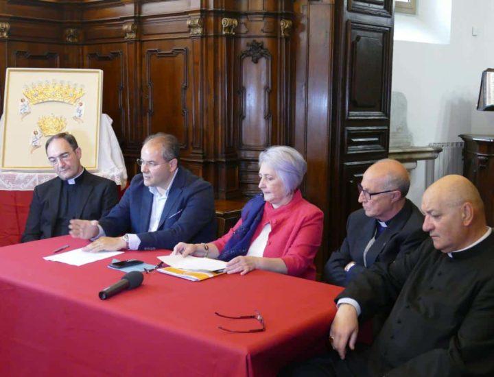 Basilica Cattedrale di Crotone, conferenza stampa per la presentazione dei diademi  e l'annuncio di un gemellaggio tra i Santuari della Madonna di Capocolonna e Czestochowa