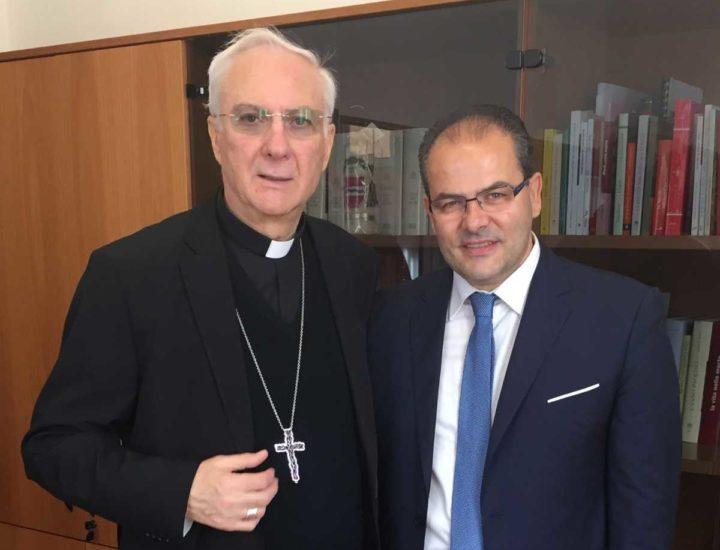 """Incontro con S.E. Mons. Piero Marini """"Presidente del Pontificio Comitato per i Congressi Eucaristici Internazionali"""". Già cerimoniere di Sua Santità Papa Giovanni Paolo II e Benedetto XVI."""