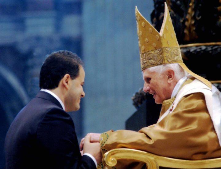 Papa Ratzinger! uomo umile e coraggioso.